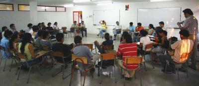 20070222025301-reunion-estudiantes-2.jpg