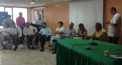 20160211152658-reunion-gobernador-asoquimbo-5-de-enero-3-.jpg