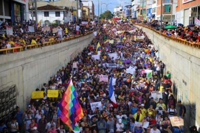 20191126003558-cacerolazo-en-colombia.jpg